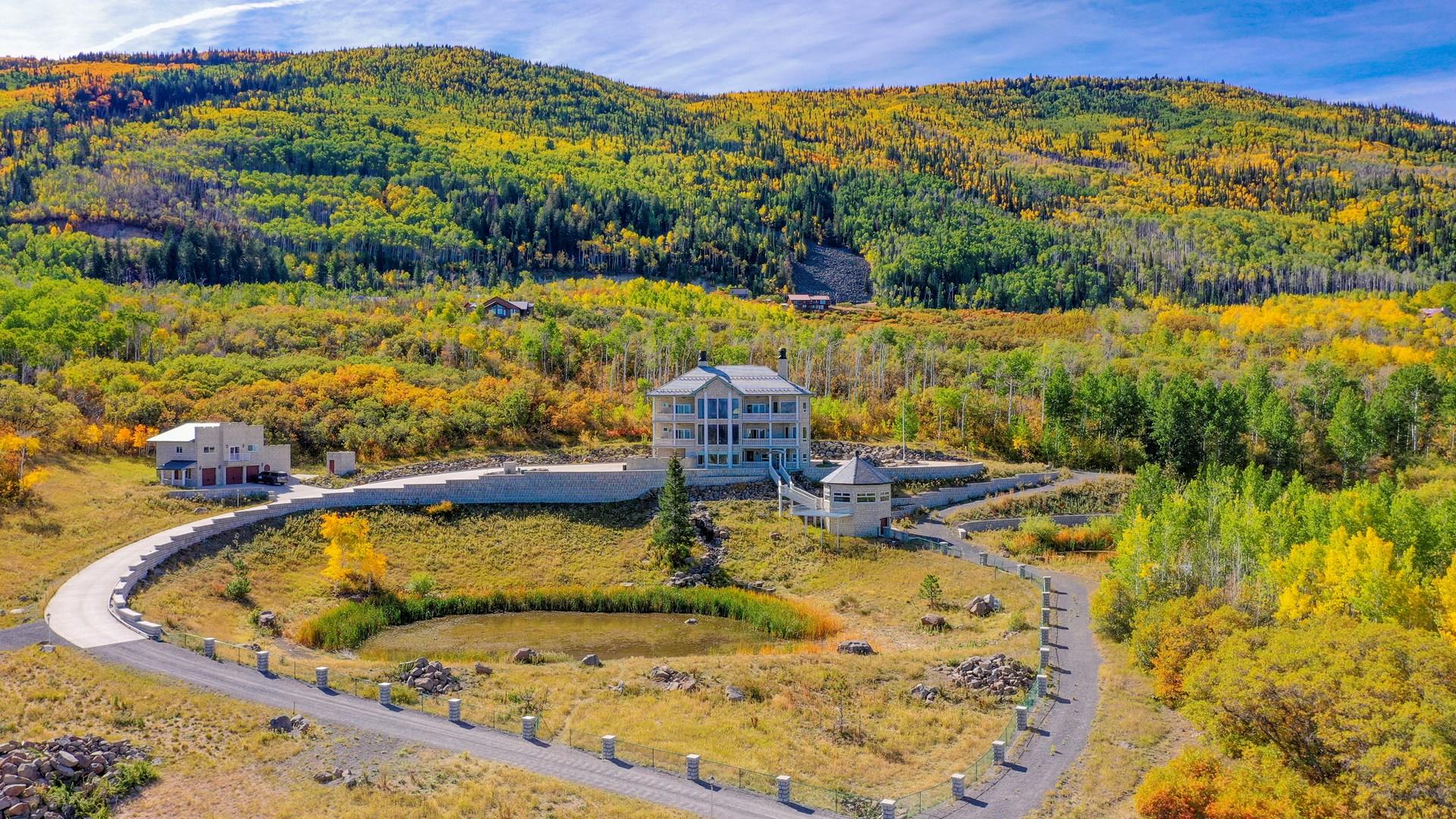 Luxury Colorado Mountain Home on Acreage