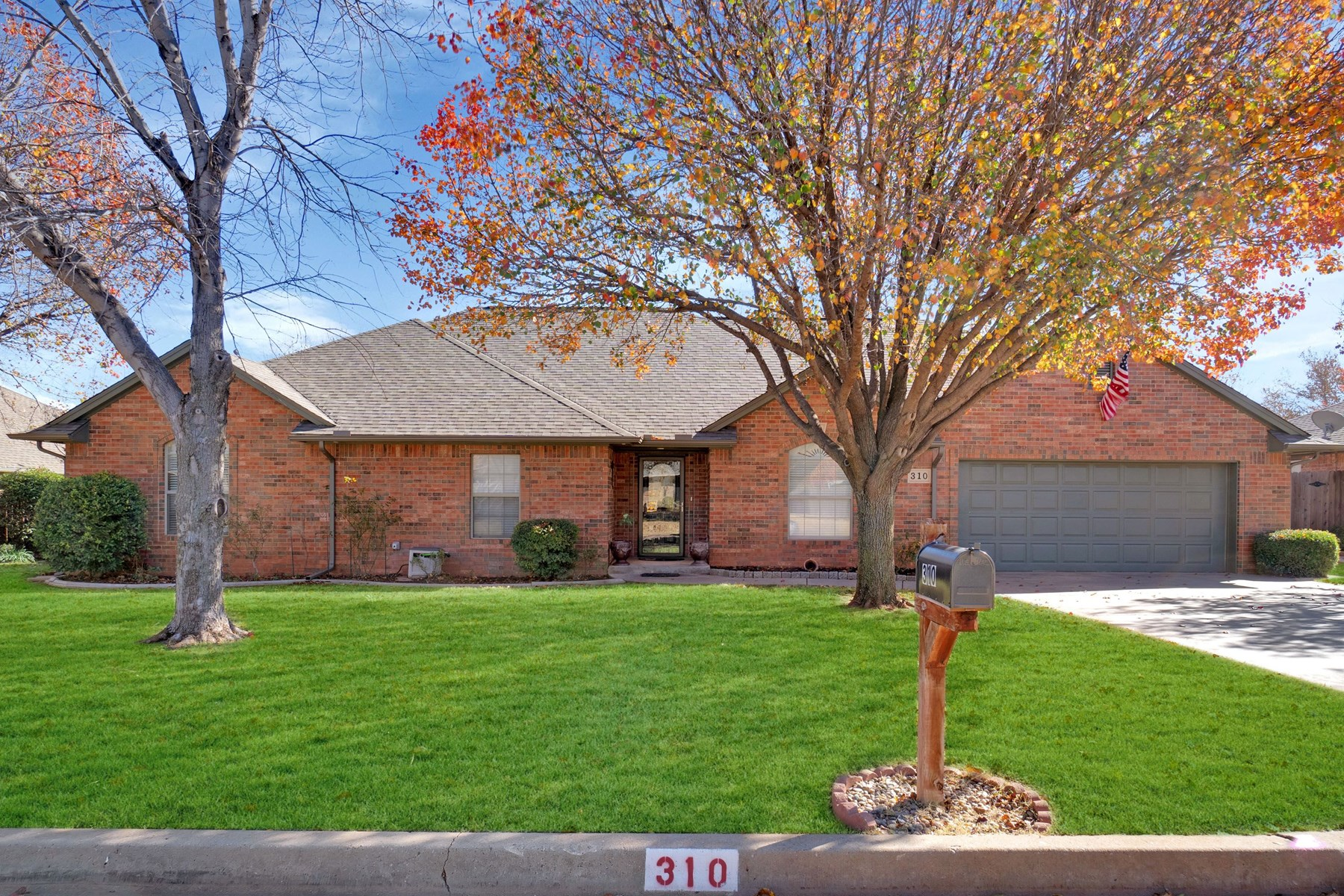 3 BED 2.5 BATH HOME FOR SALE IN ELK CITY, OK