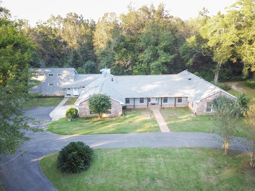 NORTH FLORIDA HOME WITH ATTACHED APARTMENT ON 3.7 Acres