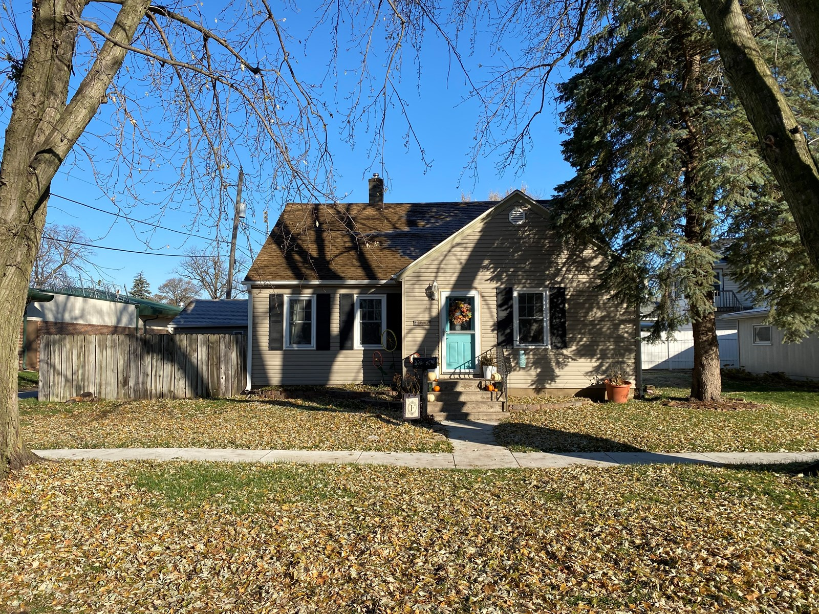 3BR For Sale, Logan, IA, Harrison Co. Wood floors