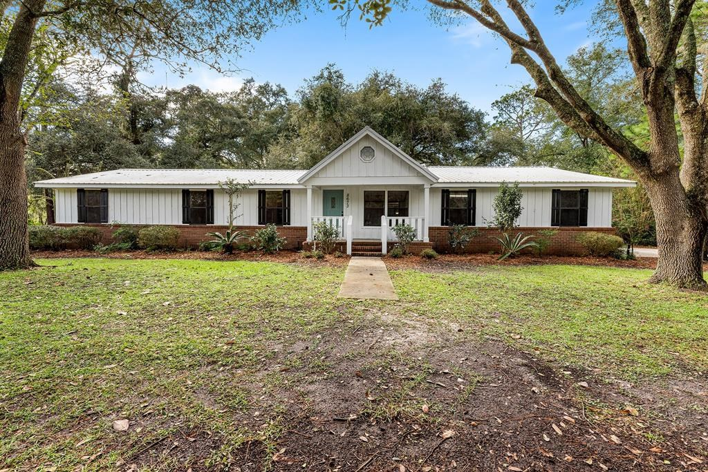 CHARMING COUNTRY HOME IN BRANFORD, FL