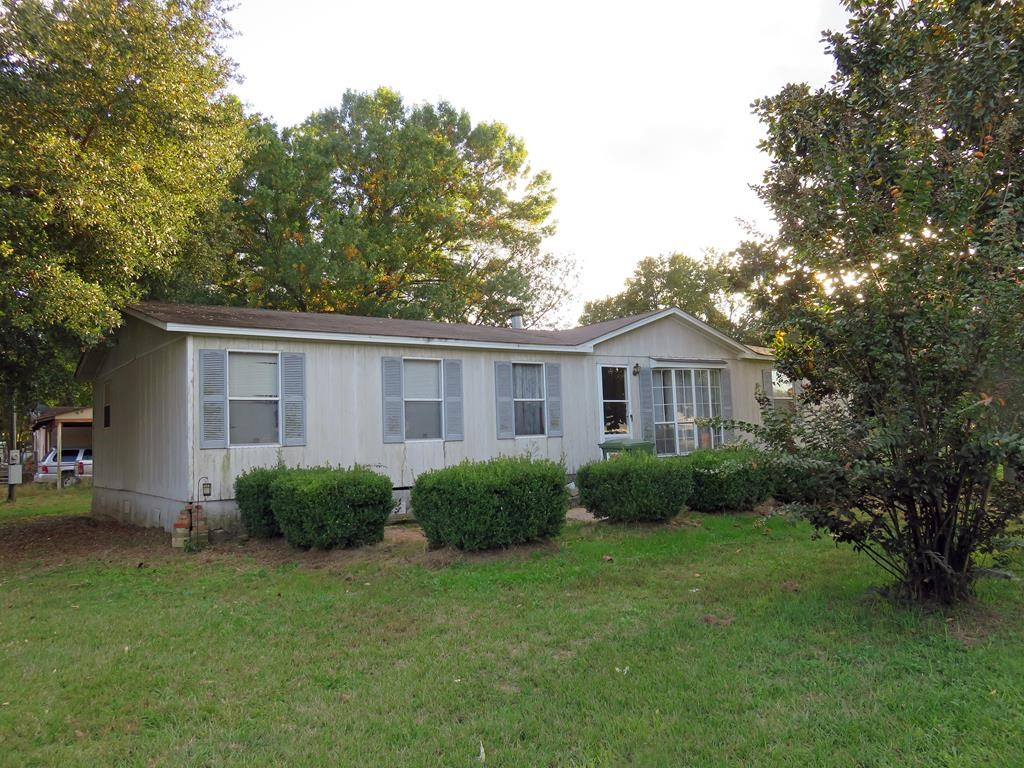 LAKE COMMUNITY 3/2 MOBILE HOME FOR SALE IN HENDERSON COUNTY