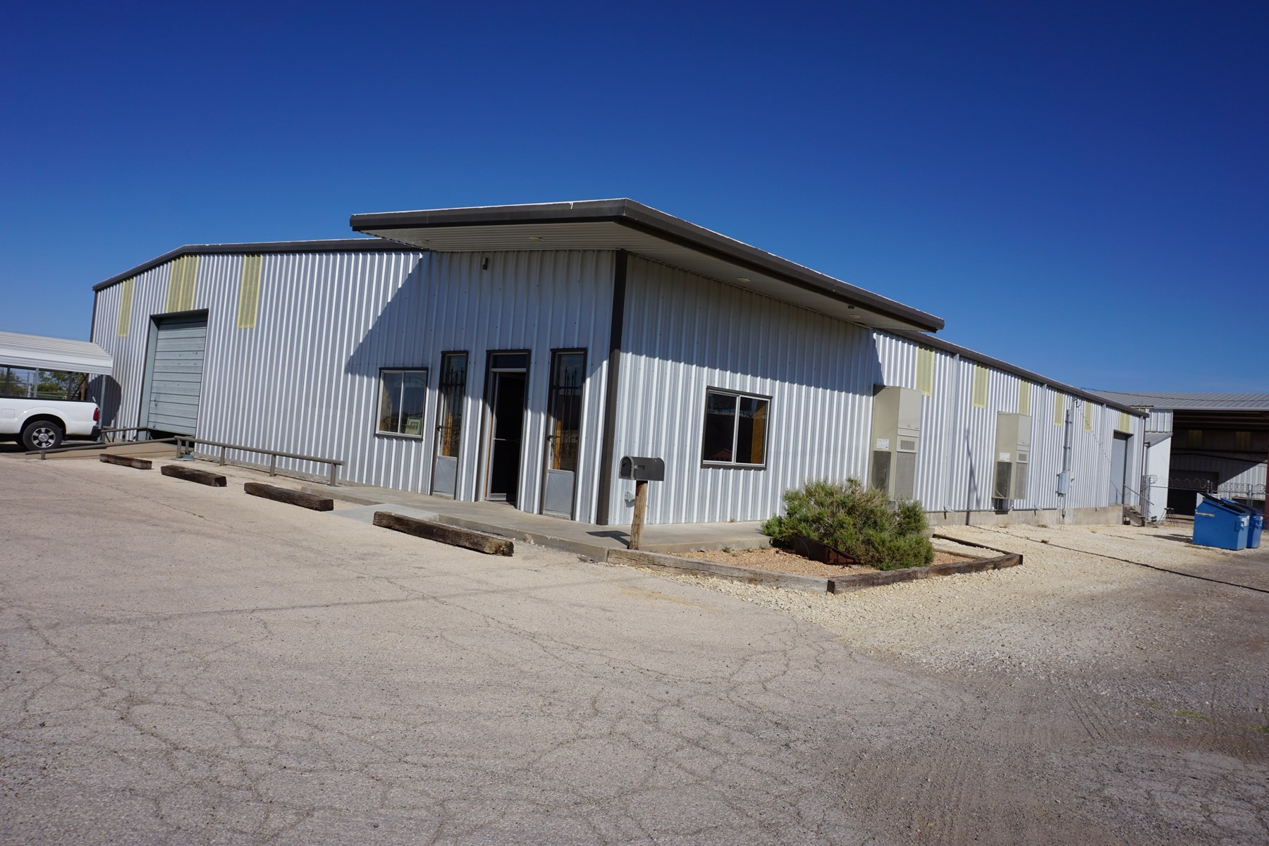 Commercial Warehouse Building For Sale in Pecos County, TX