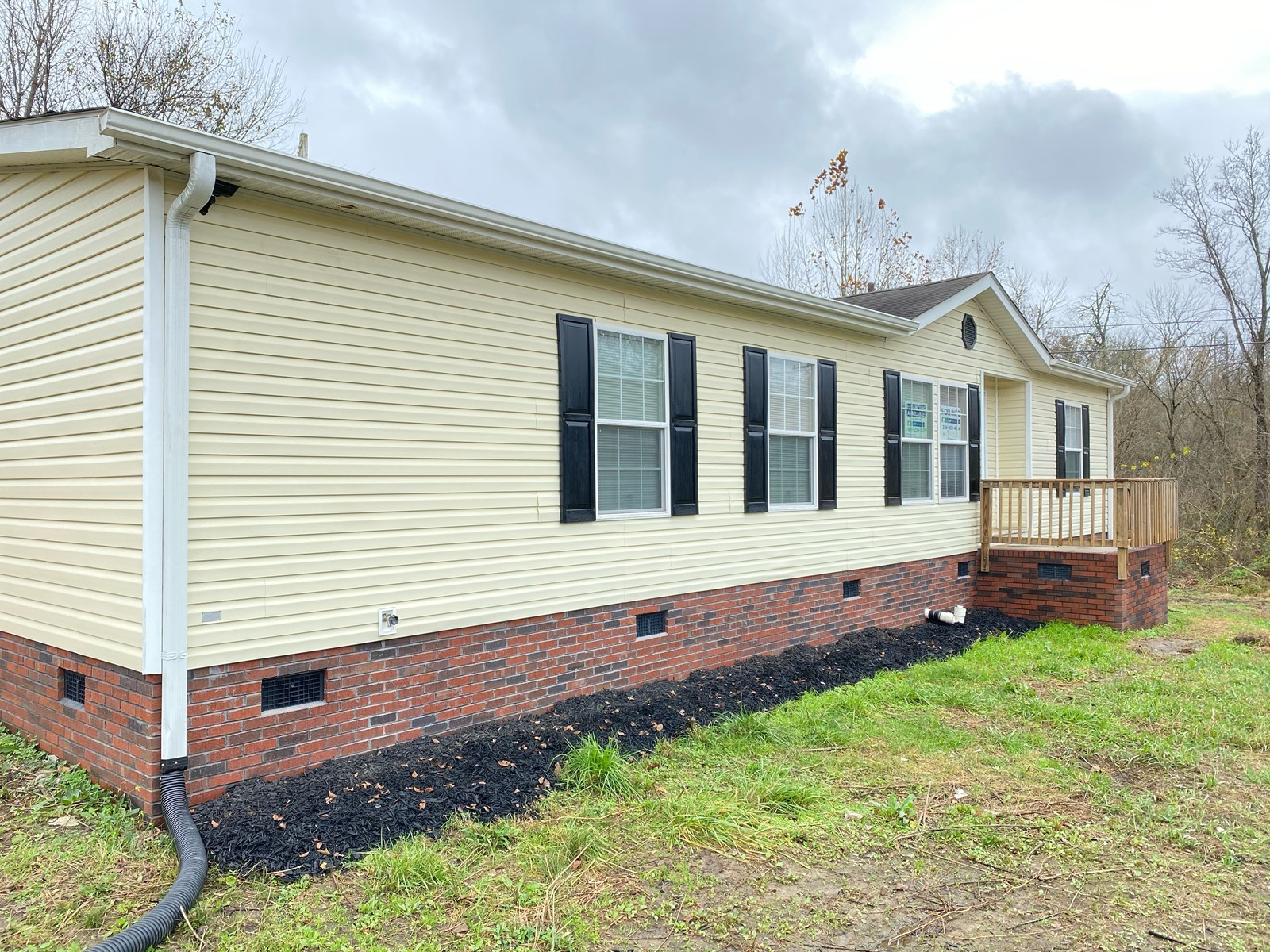 Move-in ready Oakwood Manufactured Home on 1.29 Acres.