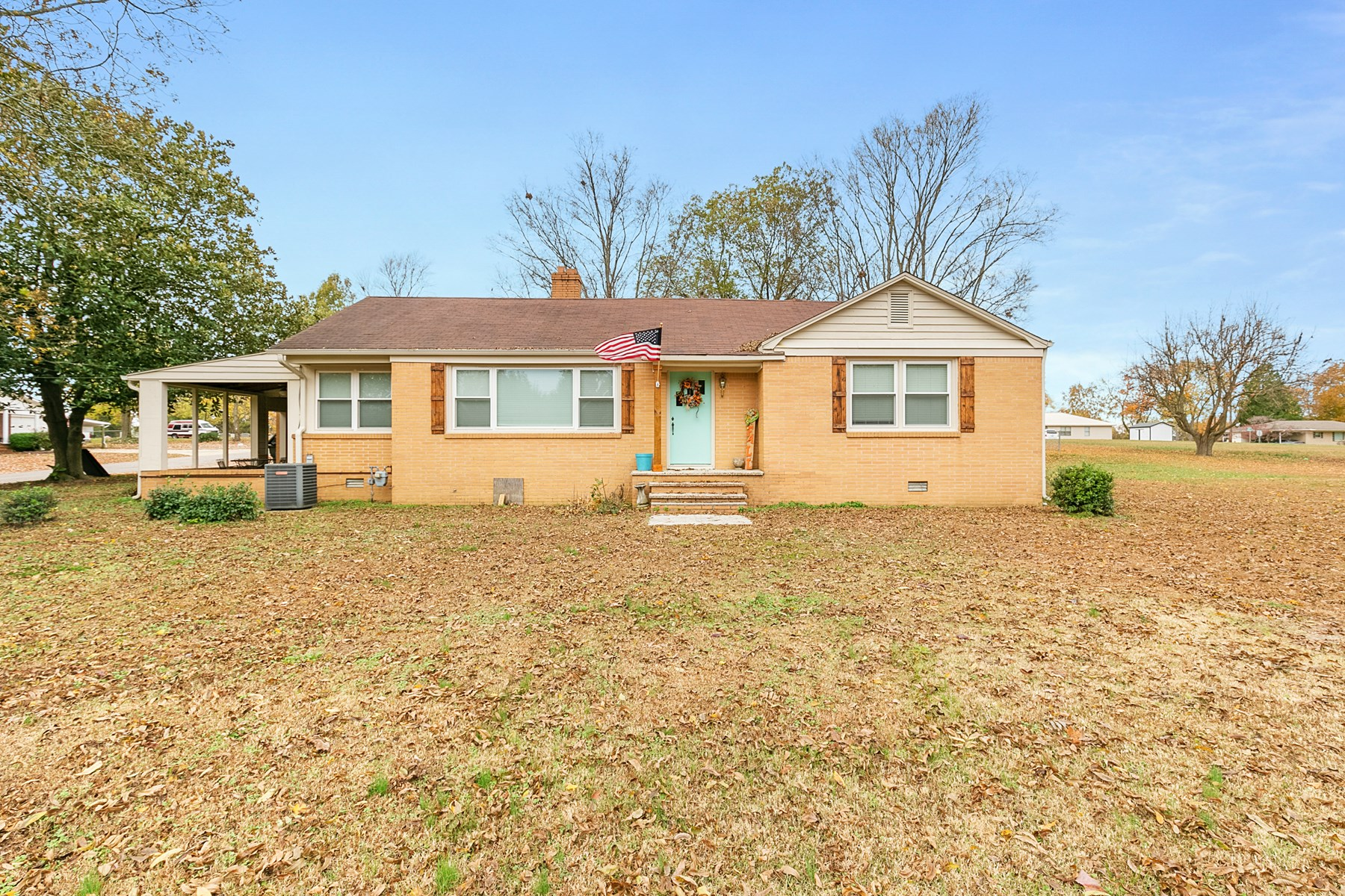 Updated Brick Home for Sale on 1+ Acre Lot in Rutherford, TN