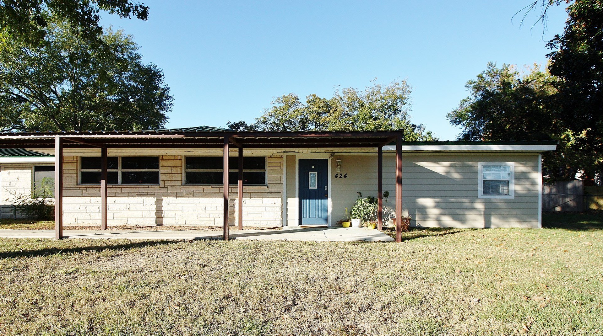 Multi-use Building for Sale in Buffalo, TX