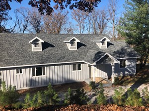 BEAUTIFUL AND SPACIOUS HOME ON GRAND LAKE FOR SALE