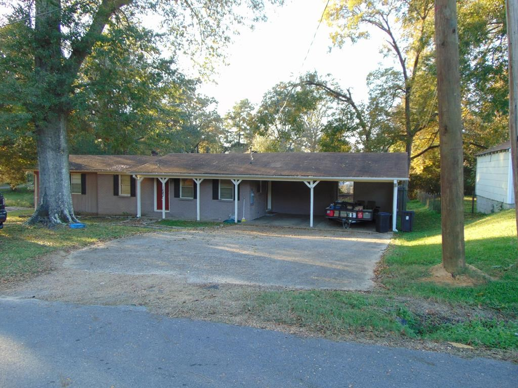 Home For Sale in Town Historic Wesson Mississippi