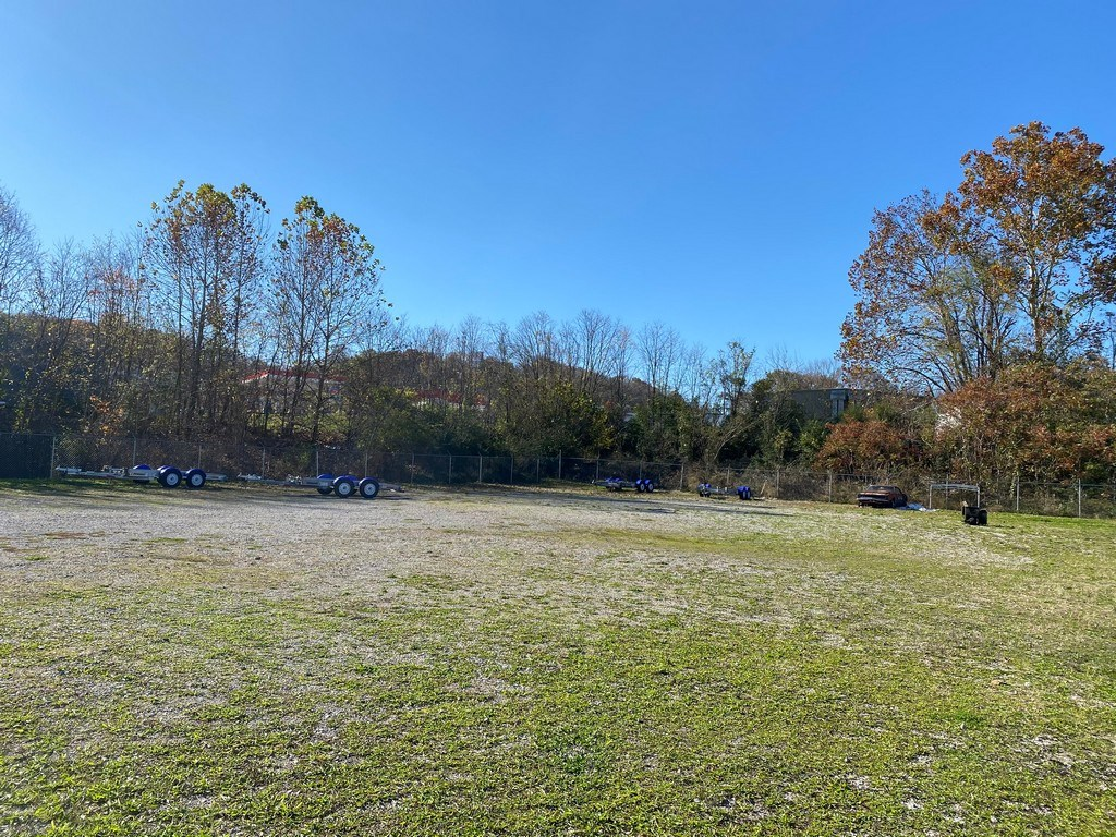 Commercial Land for Sale in Columbia, Tennessee