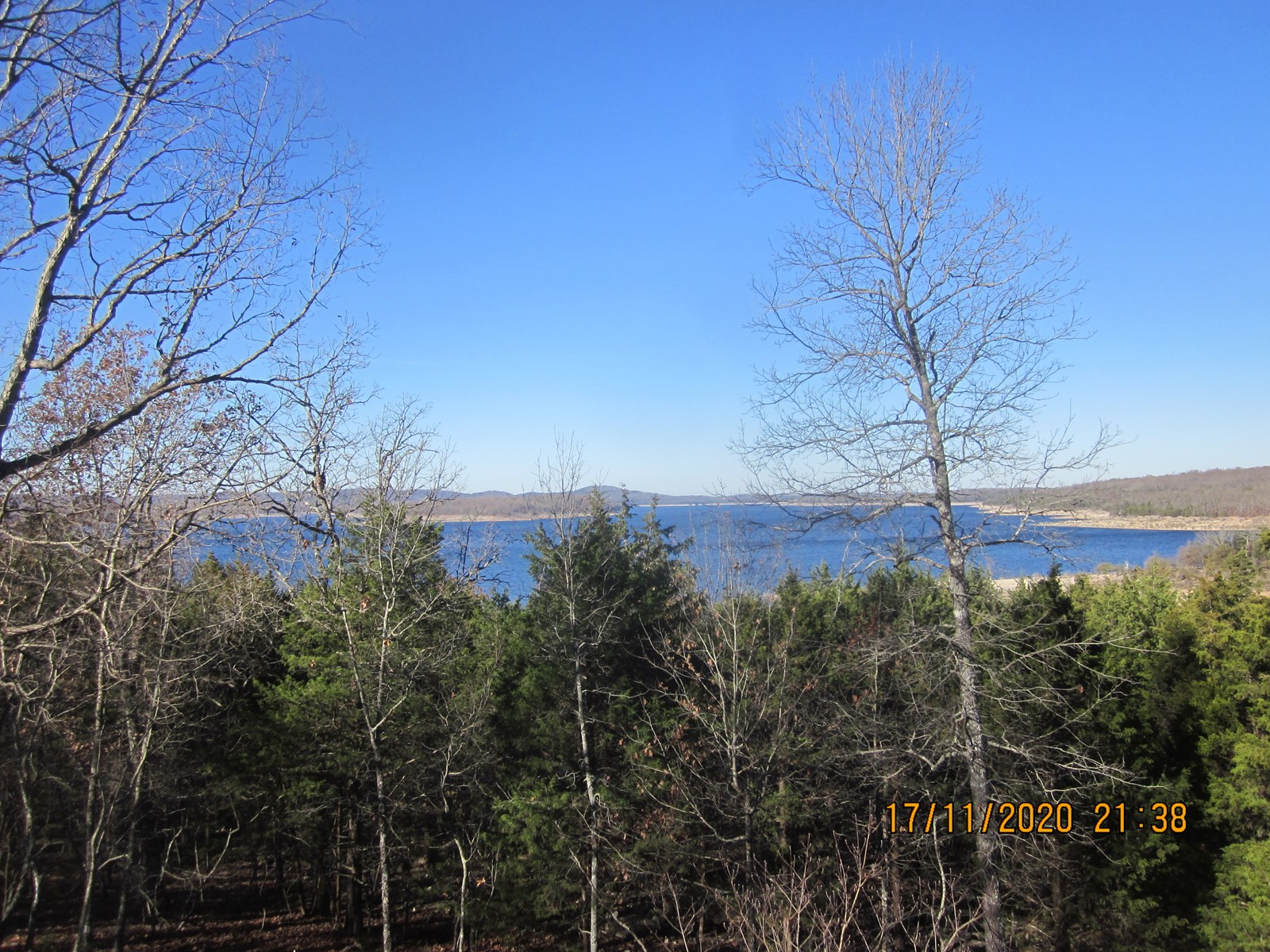 LAKE HOME ON BULL SHOALS LAKE WITH BOAT DOCK FOR SALE!