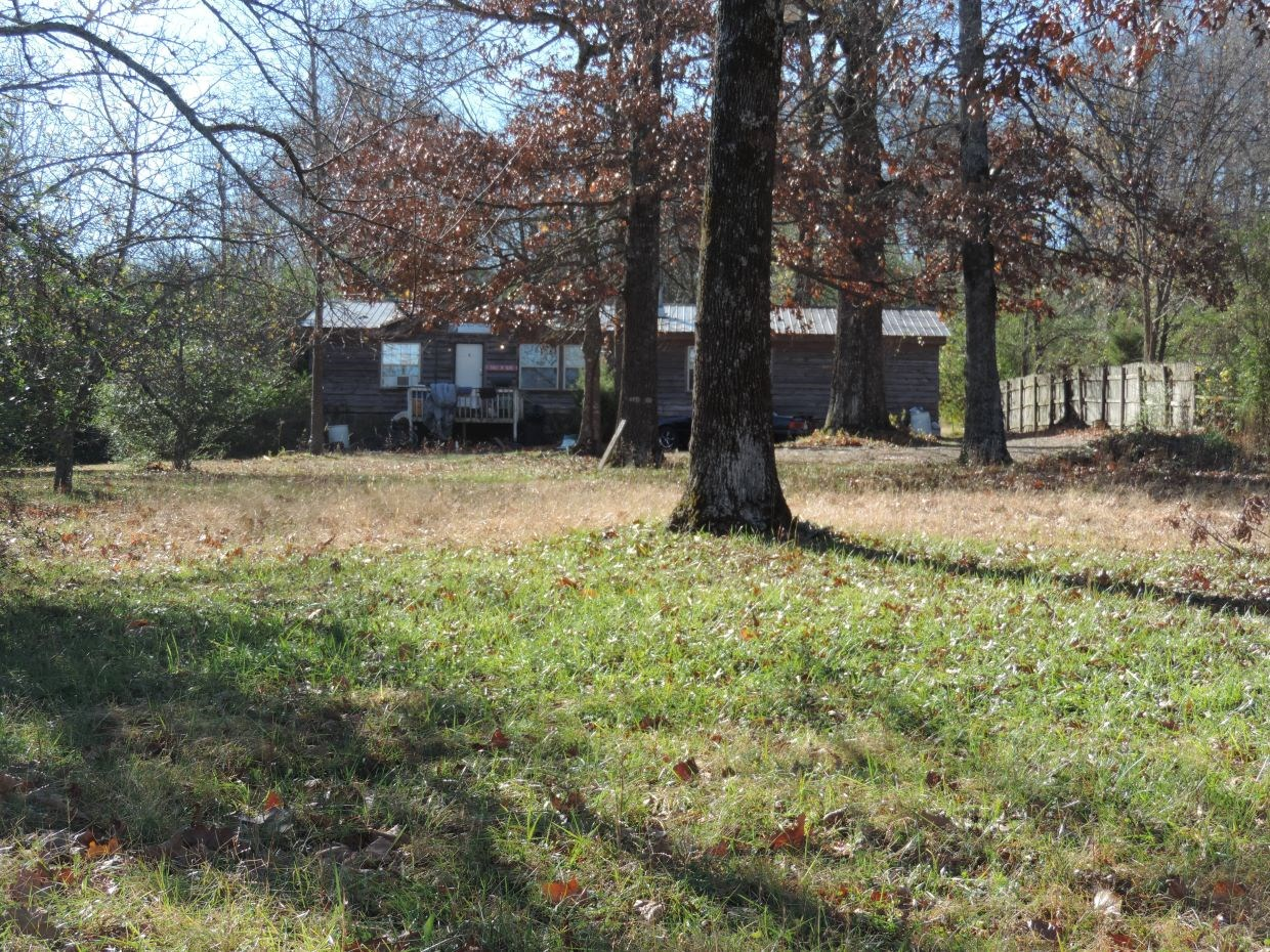 UNRESTRICTED ACREAGE IN MOUNTAIN VIEW, AR