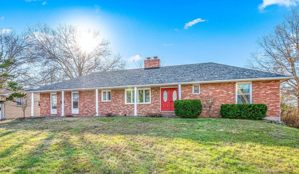 5 BR, 3 BA Brick Home with Walkout in Columbia, MO