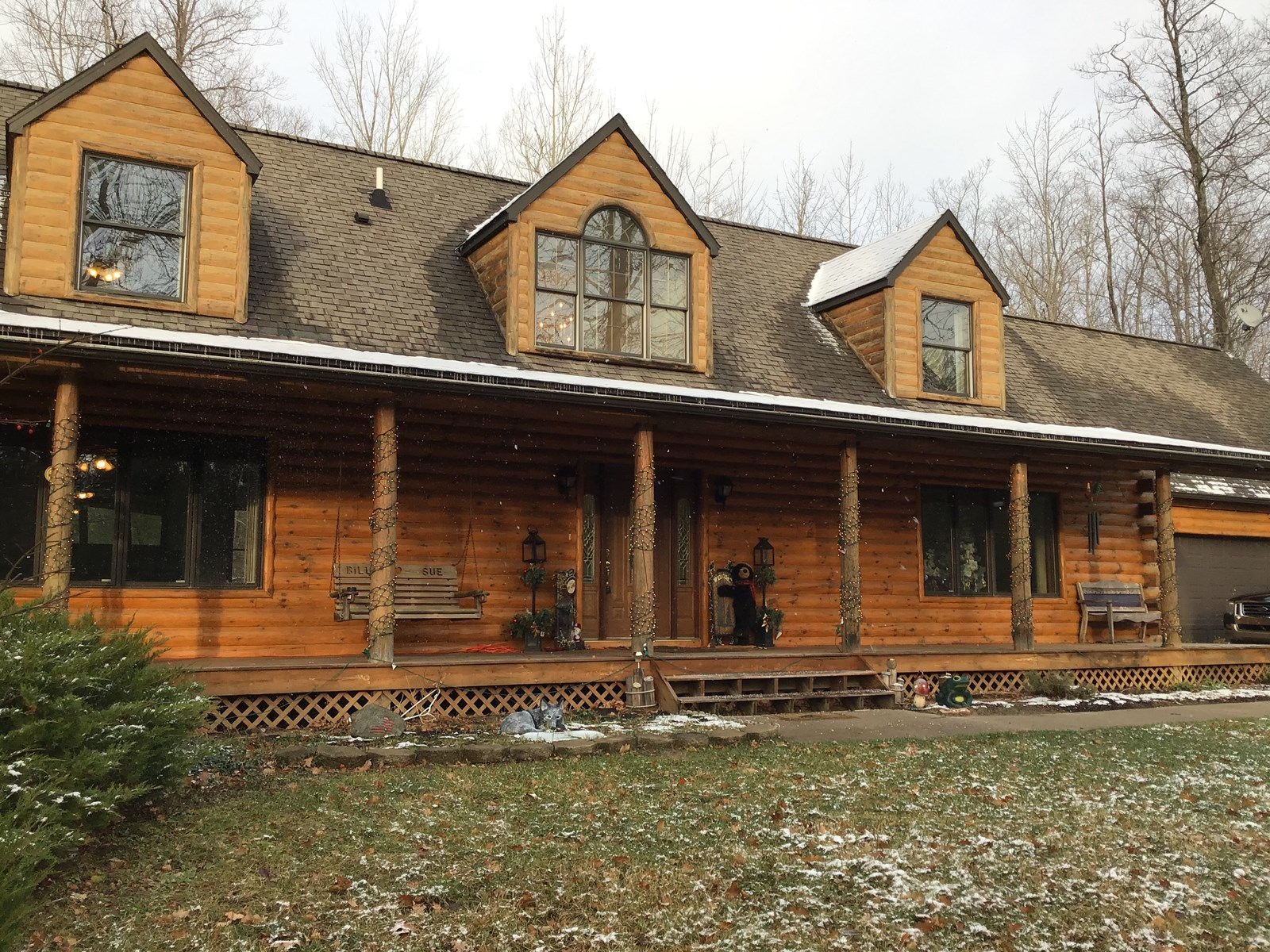 4 BED LOG CABIN ON 14.5 ACRES