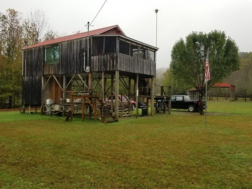 BEECH LAKE WAYNE CO TN RIVER 1 BEDROOM 1 BATH CABIN FOR SALE