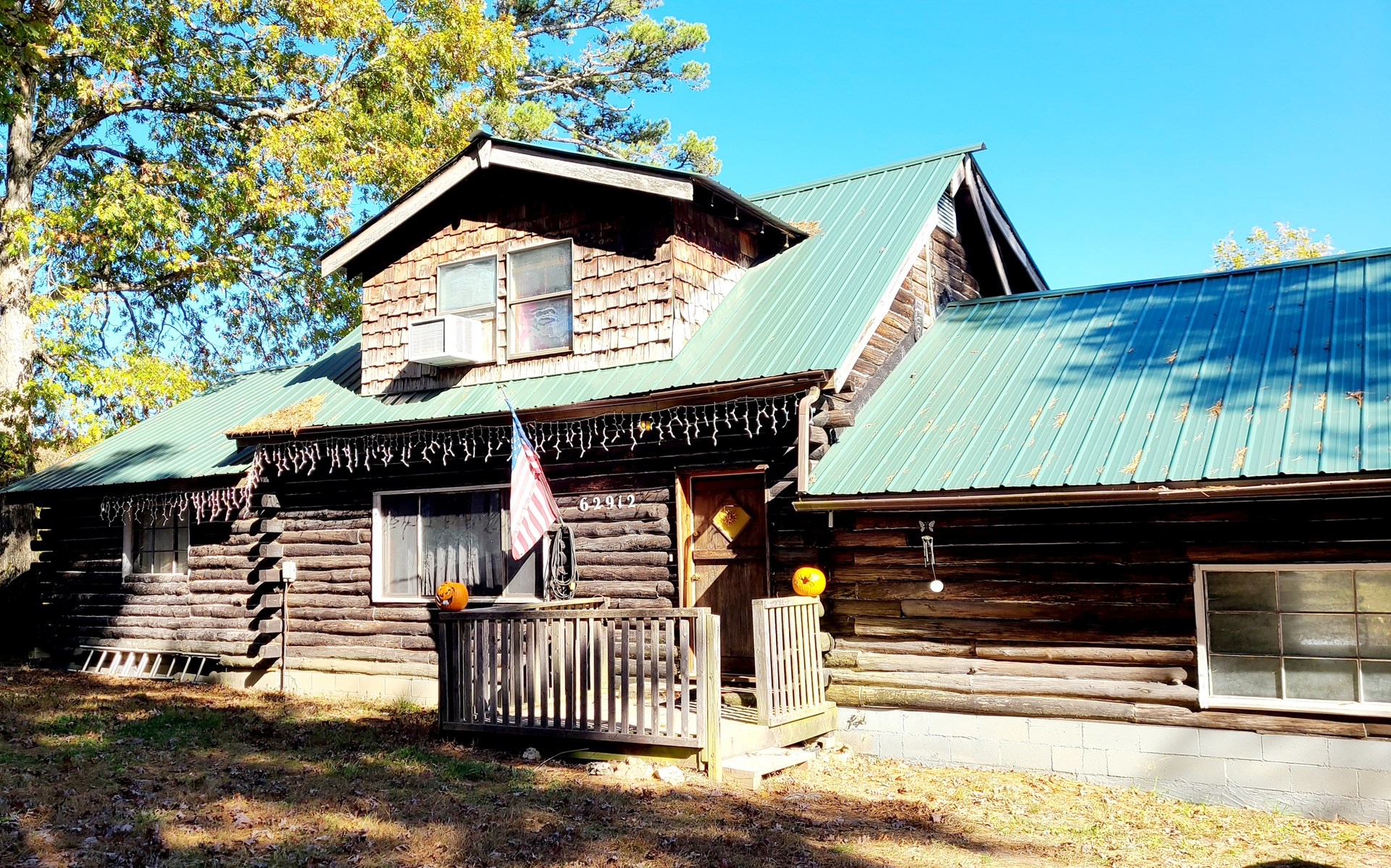 LOG HOME ON 10 + ACRES NEAR ELLINGTON, MISSOURI