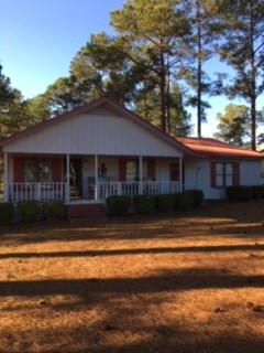 Charming Country Home in Great Swainsboro Neighborhood!