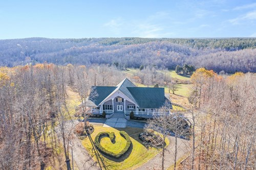 Luxury Home on Hunting Land for Sale Near Nashville TN