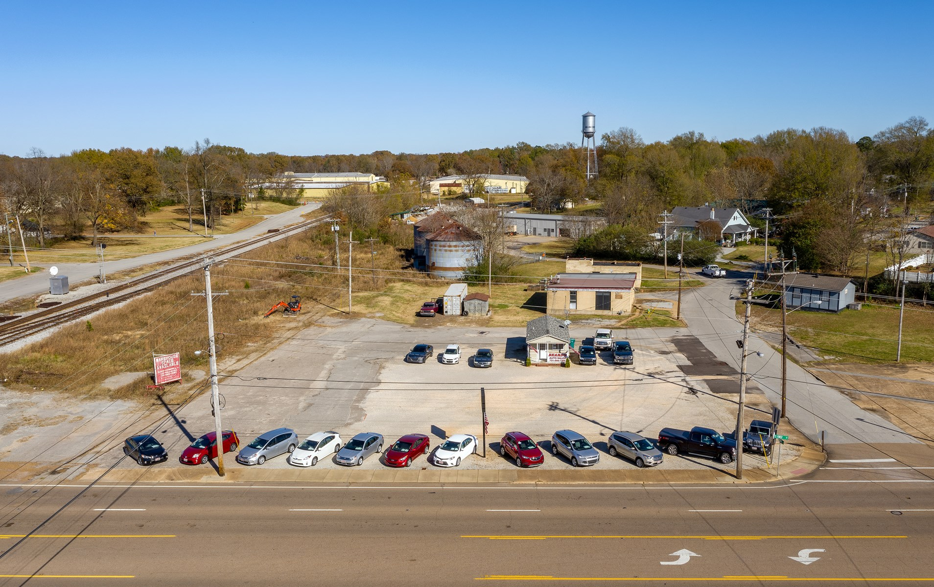 Commercial Lot and Building For Sale in Milan, TN