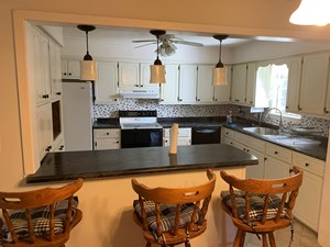 COUNTRY HOME AND 2 ACRES FOR SALE IN THE OZARK MOUNTAINS