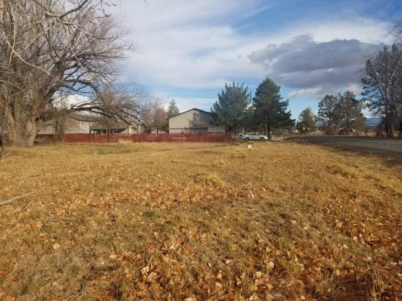 Northern, CA-Vacant Land w/Water/Sewer/Electric/Paved Street