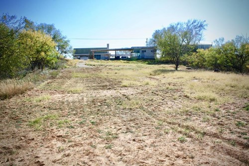 COMMERCIAL BUILDING FOR SALE IN COLORADO CITY