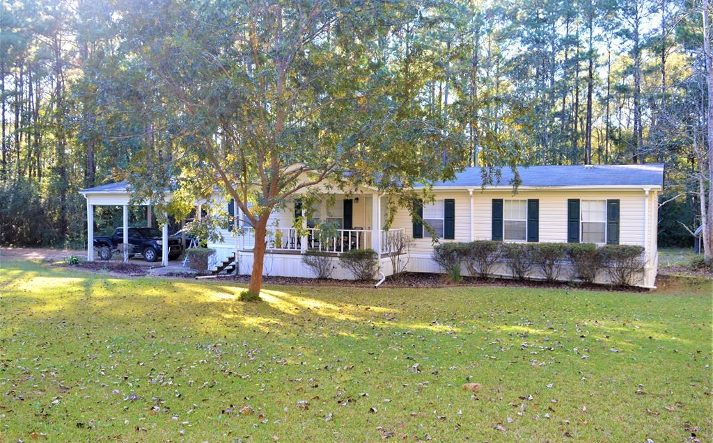 4 Bed/2 Bath Country Home with Acreage for Sale Summit, MS