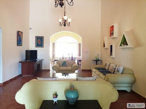 BEACH HOUSE WITH POOL FOR RENT IN CORONADO PANAMA