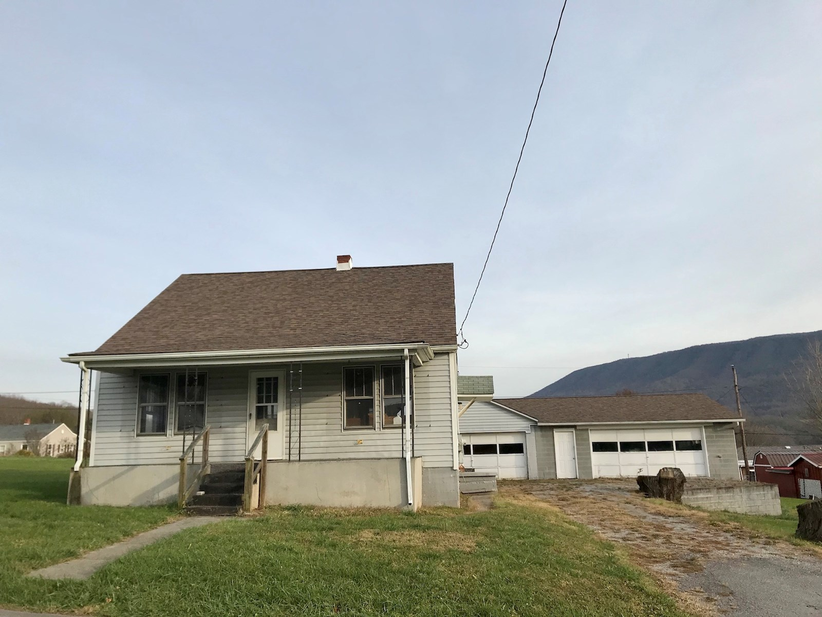 Fixer Upper or Investment Property for Sale in Narrows VA!