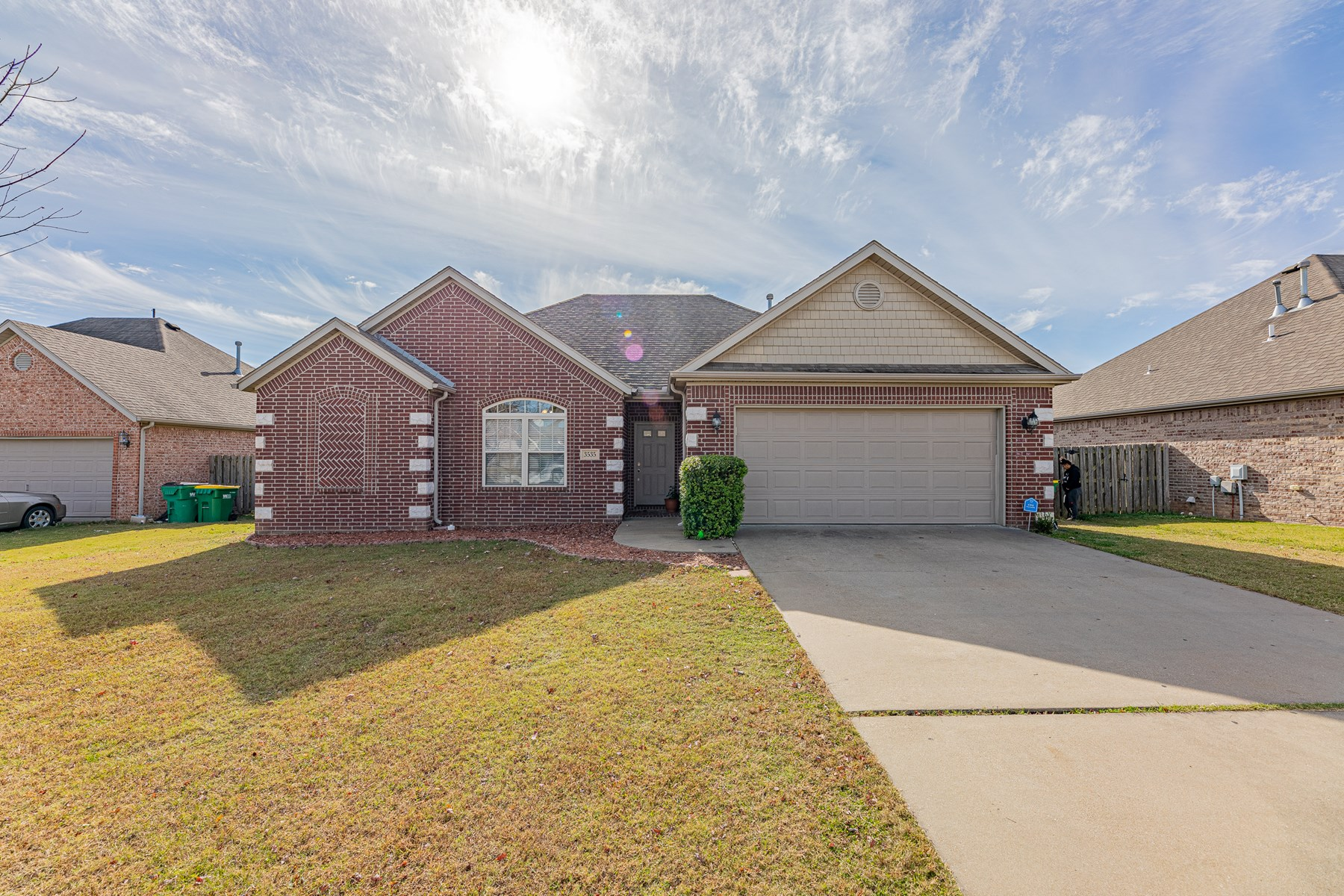 Great First Time/Investment Home for Sale in Springdale