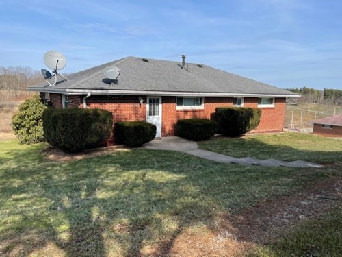 Beallsville OH Brick Ranch Home on Basement