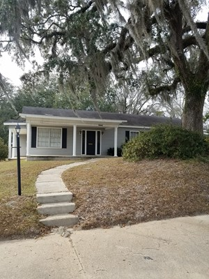 COMMERCIAL BUILDING AND LAND FOR SALE IN NORTH FLORIDA