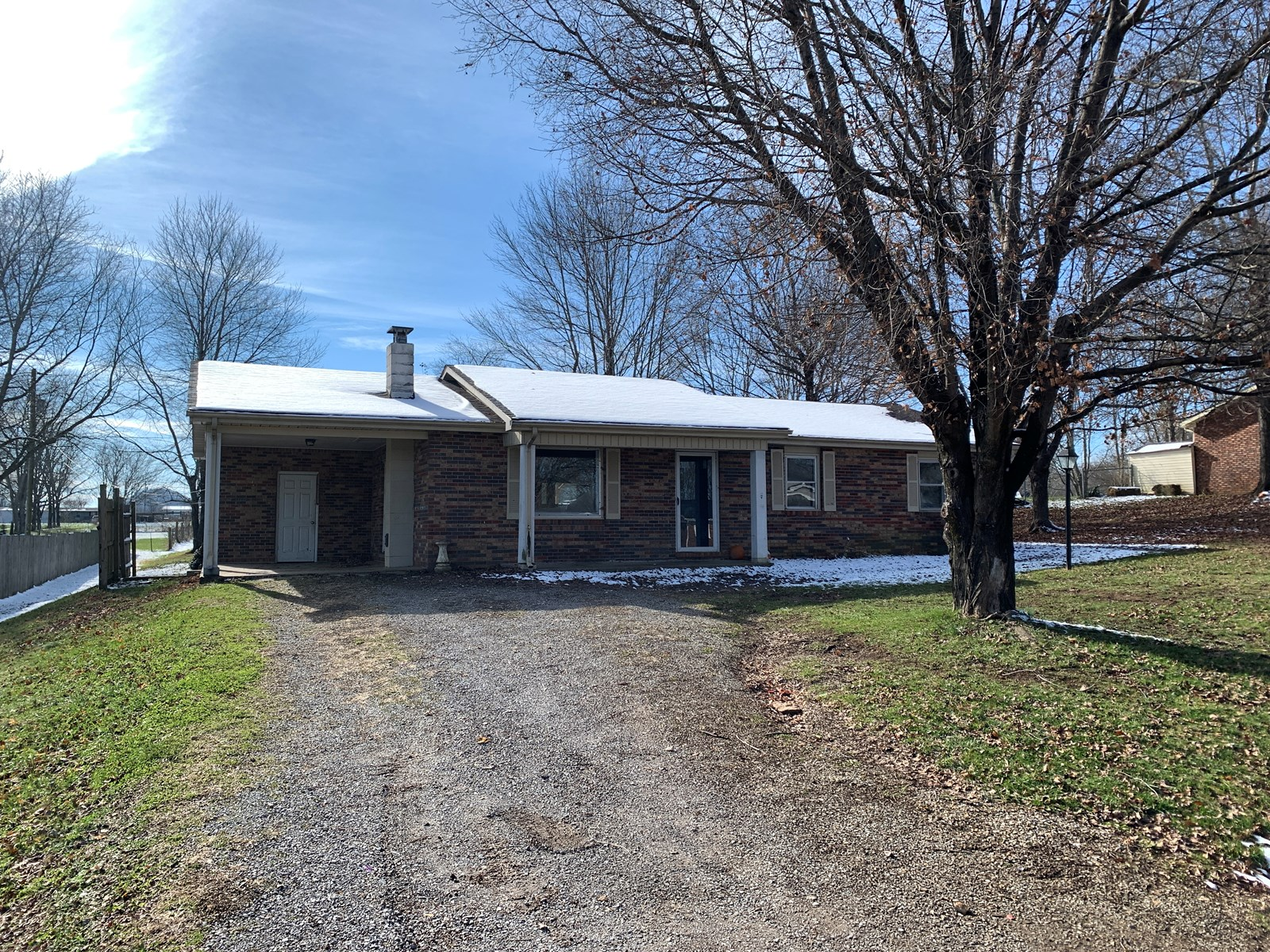 3 BEDROOM BRICK HOME/FIXER-UPPER/STORAGE BLDG.-STANFORD, KY.