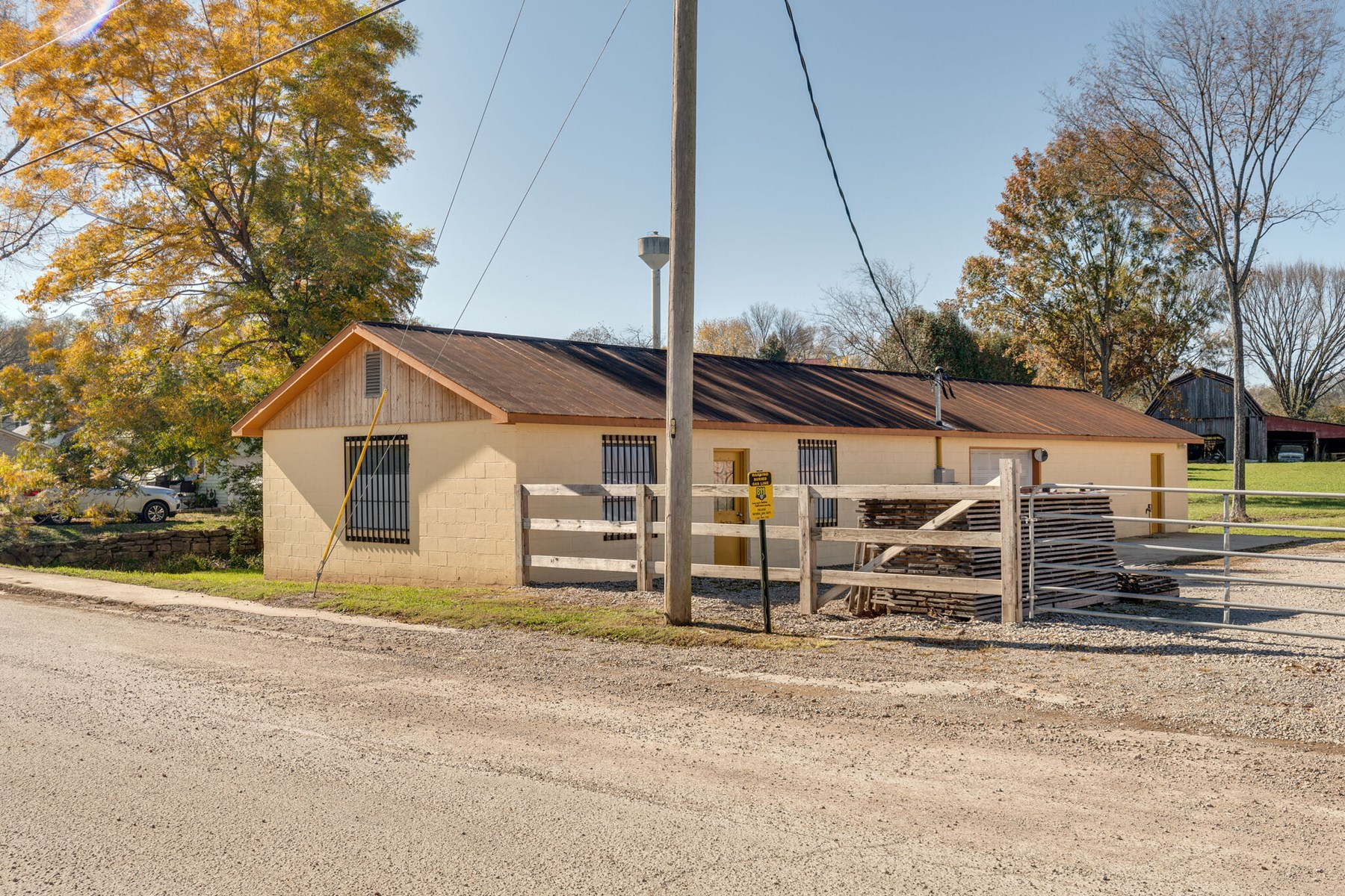 Commercial Building for Sale in Lynnville, Tennessee