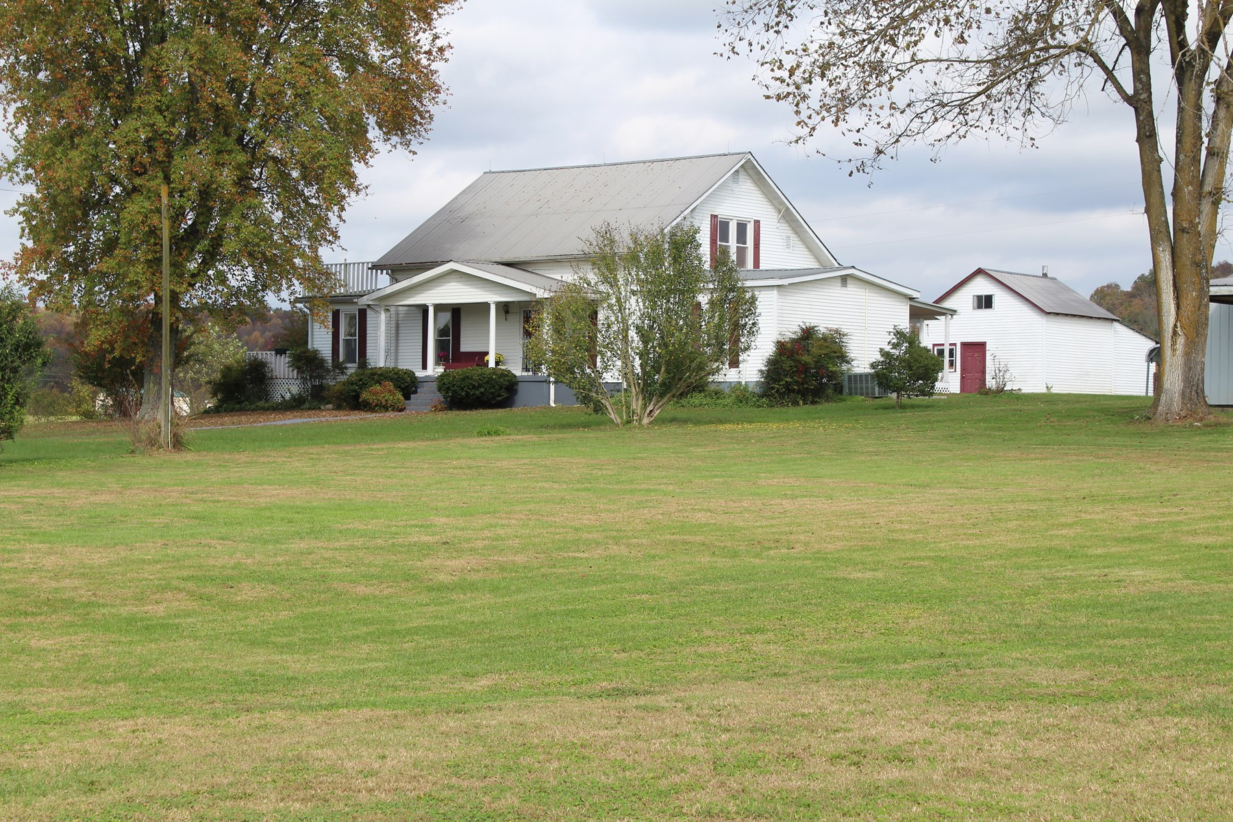 4 bedroom 2 bath country home for sale near Smiths Grove, Ky