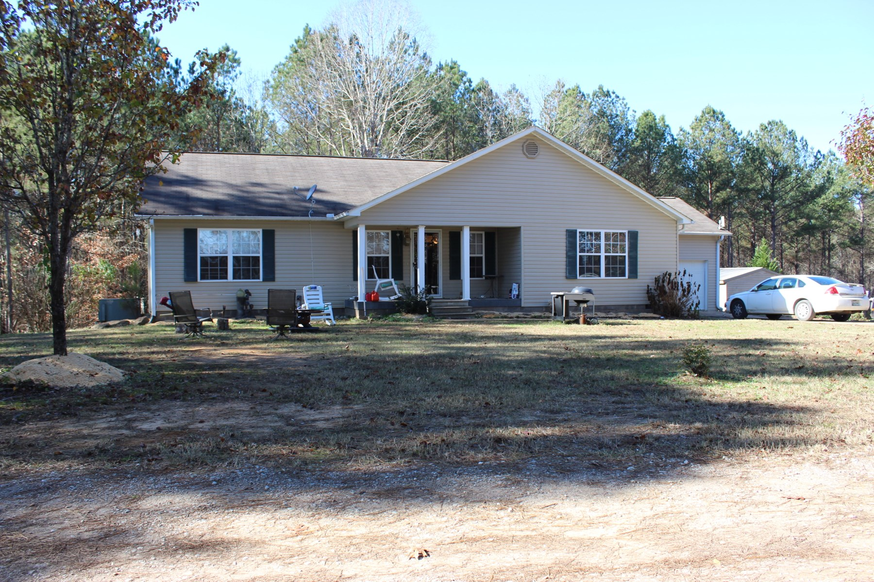 3 BEDROOM HOME FOR SALE NEAR FISHING IN MCNAIRY COUNTY TN
