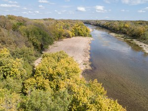 WATERFRONT LAND & HOME FOR SALE IN MCLENNAN COUNTY, TX
