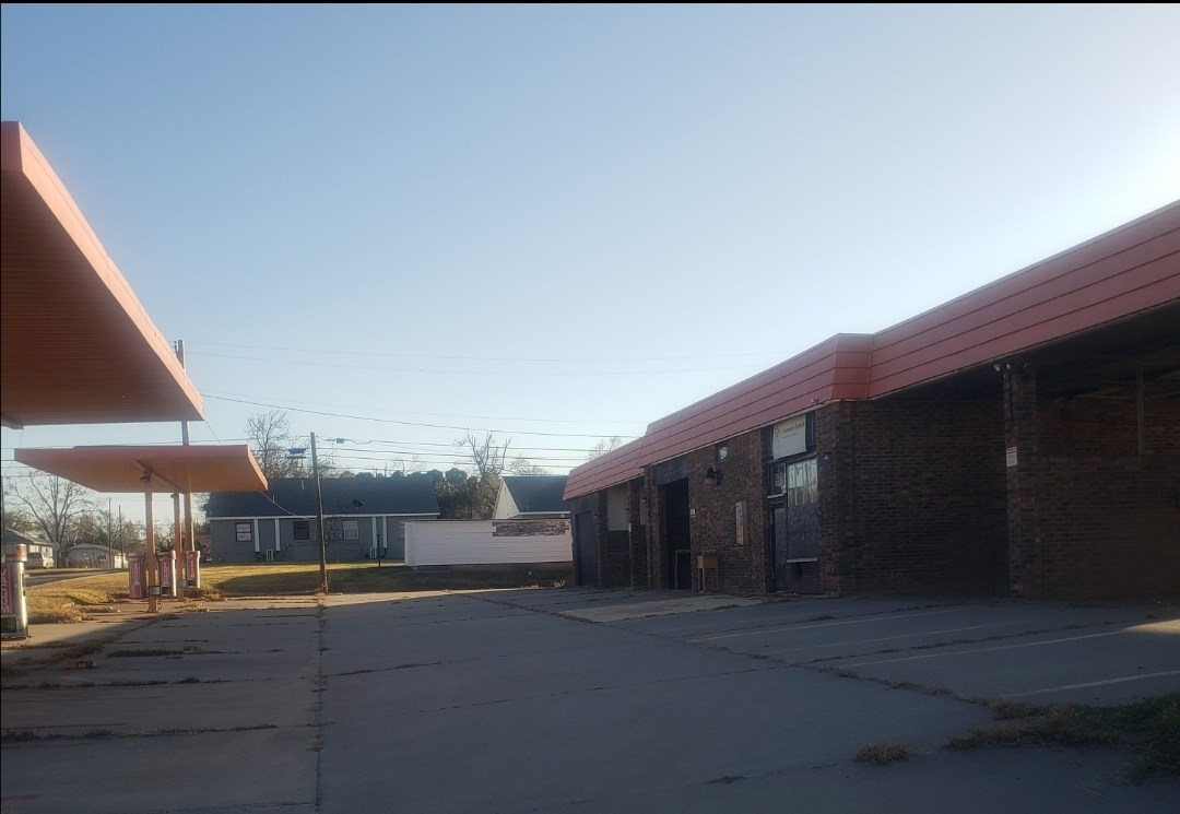 CAR WASH PONCA CITY COMMERCIAL PROPERTY FOR SALE