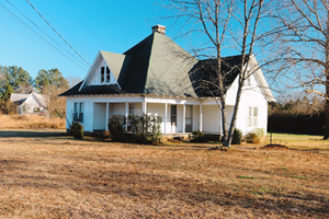 FARM HOUSE WITH HISTORY