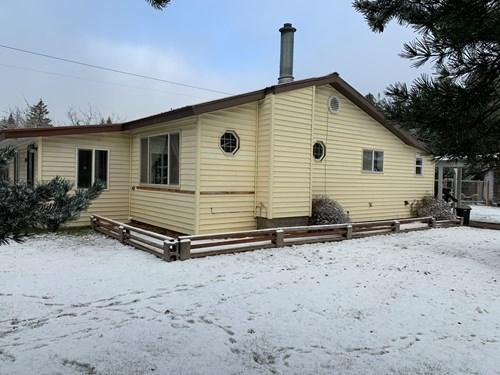 Montana Country Home with Shop Near Kootenai River