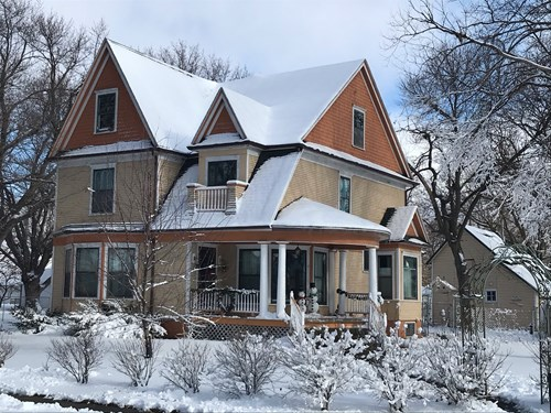 Victorian Home In Town