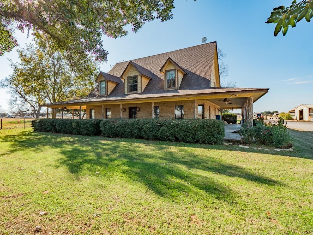 300 Hubbard Ln Lipan, Texas 76462