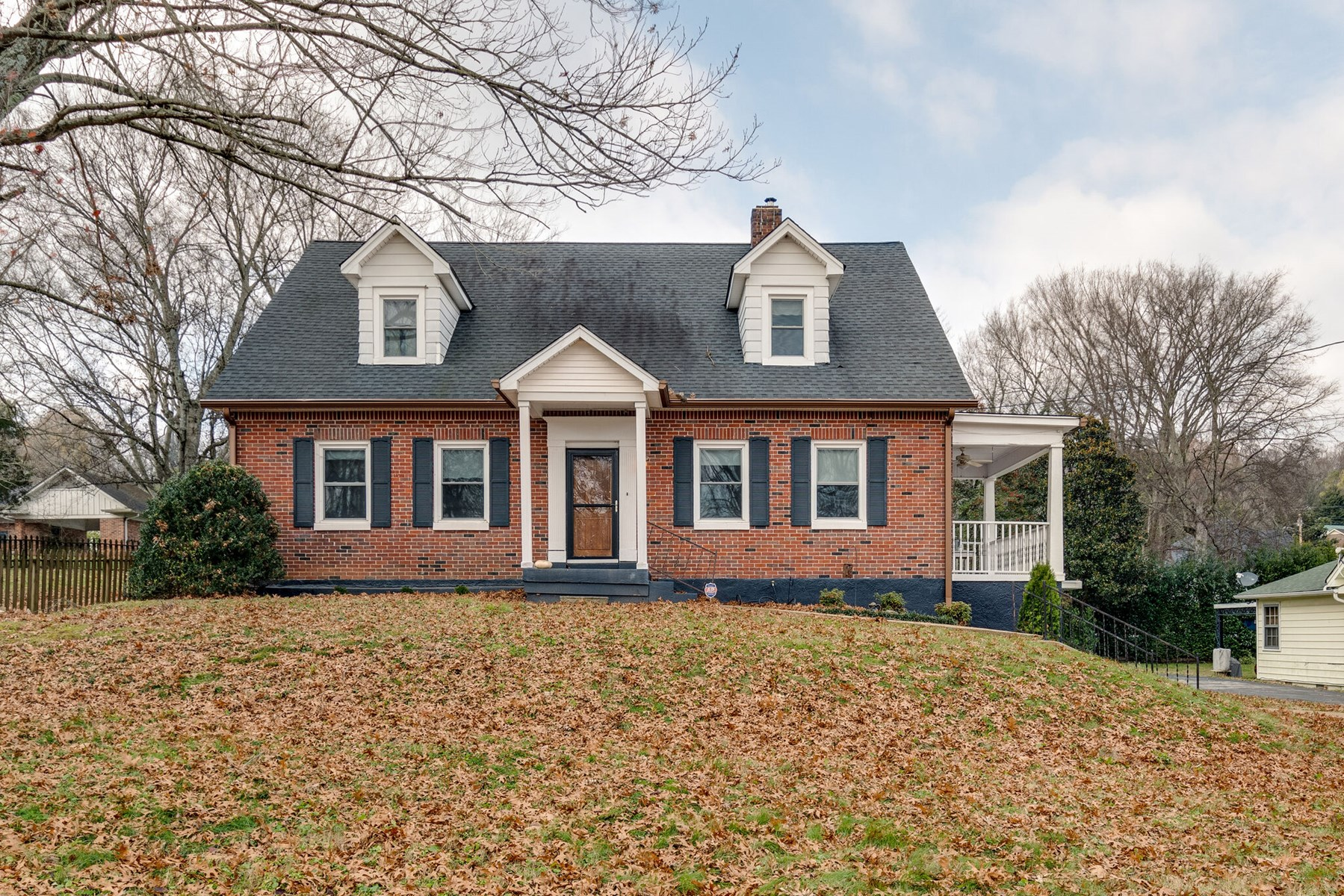 Historic Home in Town for Sale in Mt. Pleasant, Tennessee