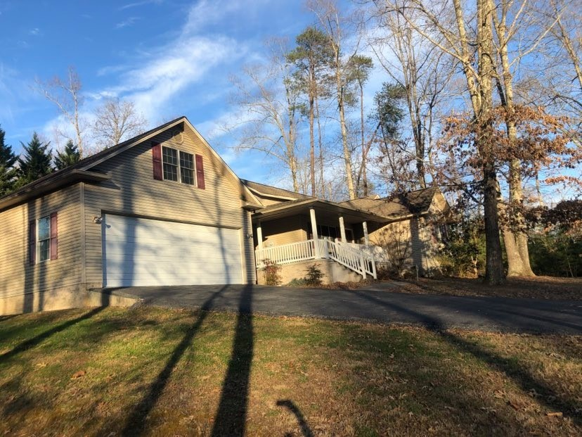 Home for sale in Albany, KY near Grider Hill Marina