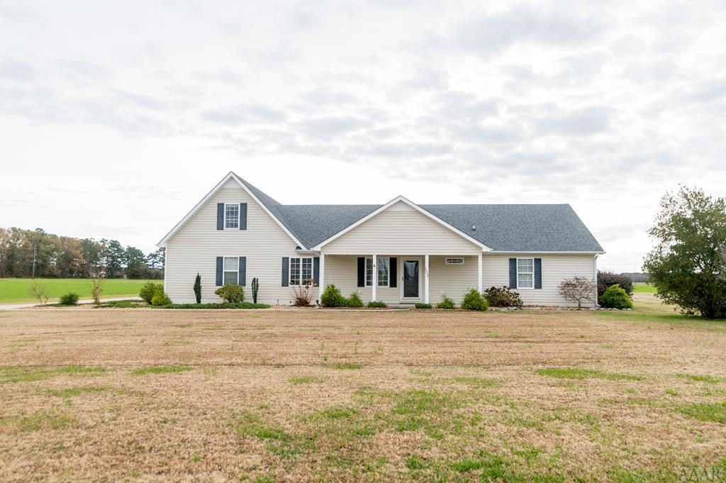 Enjoy Country Living with Views of the Perquimans River