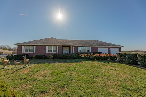 Large Home on 6 Acres For Sale In McDonald County