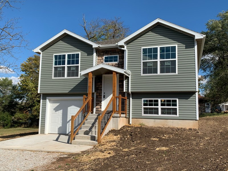 New Construction Home near Stockton Lake, MO
