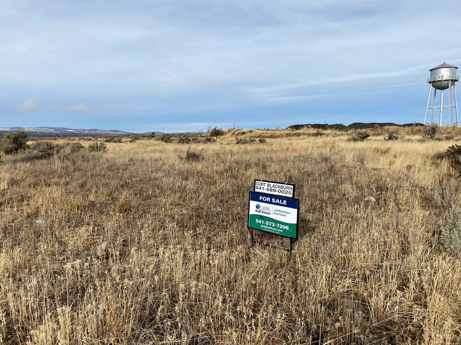 LARGE RESIDENTIAL LOT FOR SALE ON EDGE OF BURNS