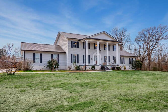 Country Estate Home For Sale in Middle TN