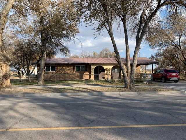 Home For Sale in Town of Estancia, New Mexico, Torrance CO