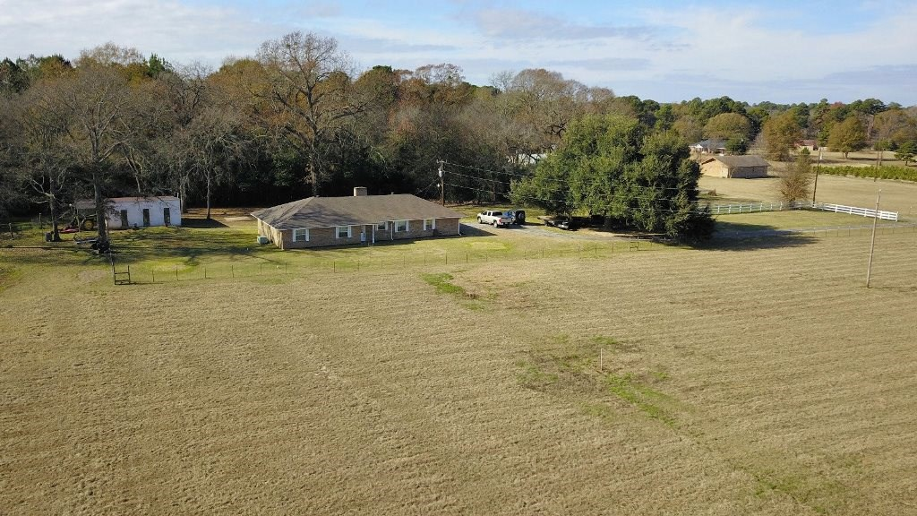 COUNTRY HOME FOR SALE IN LAKE PALESTINE COMMUNITY | EAST TX